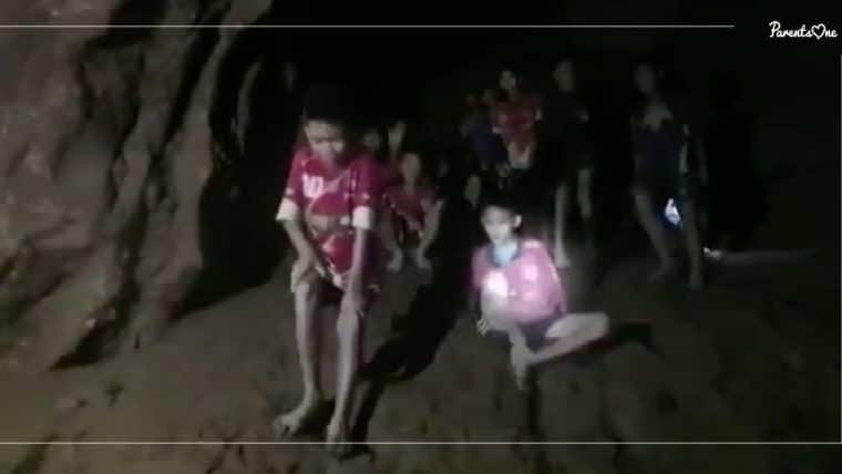NEWS: จิตแพทย์เผยทีมหมูป่า #ถ้ำหลวง อาจมีอาการเพ้อเพราะอยู่ที่มืดและแคบนาน